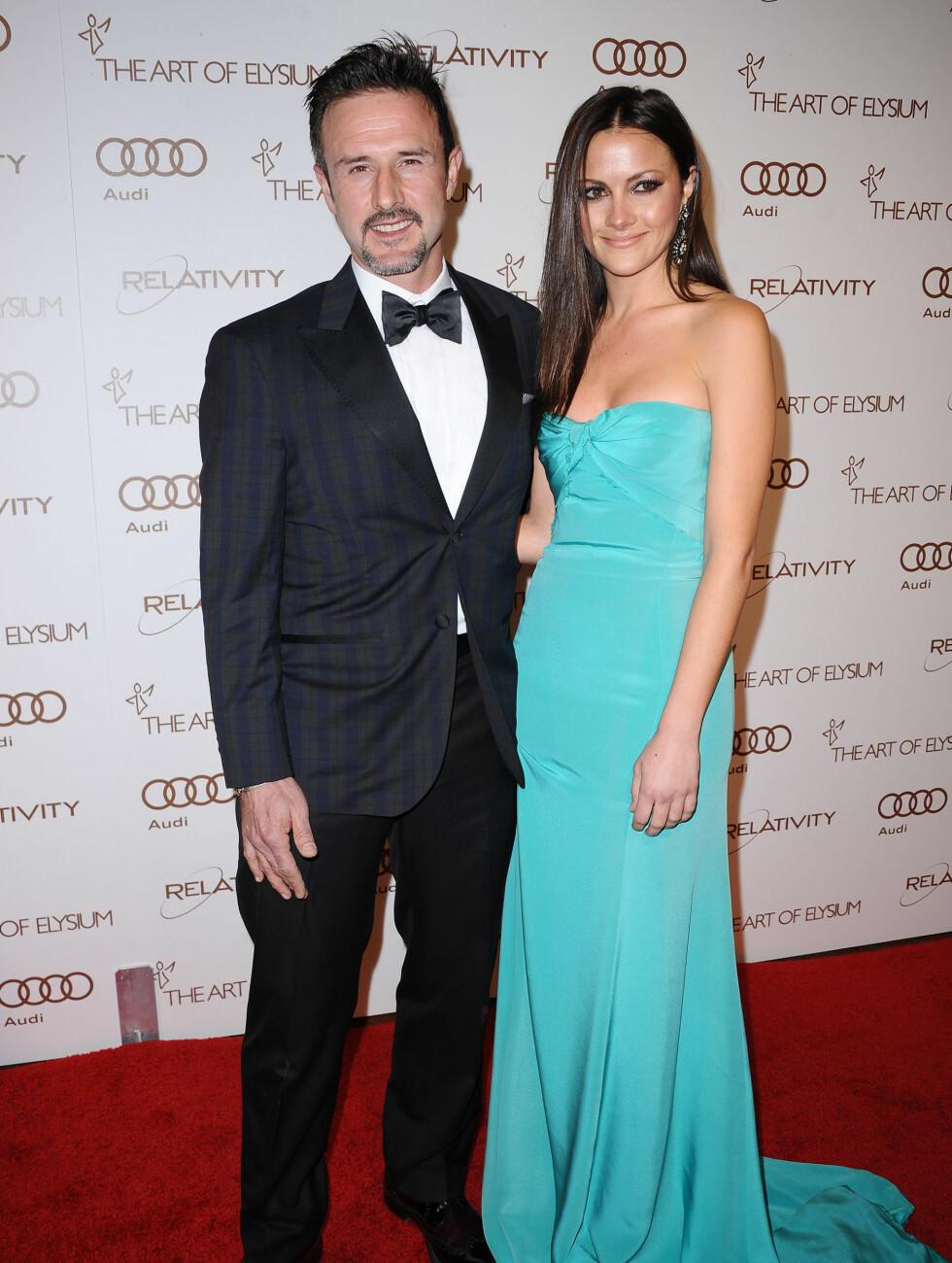 KJÆRESTEN: David Arquette (40) viste frem dama Christina McLarty som han nylig med sammen med. Foto: Stella Pictures