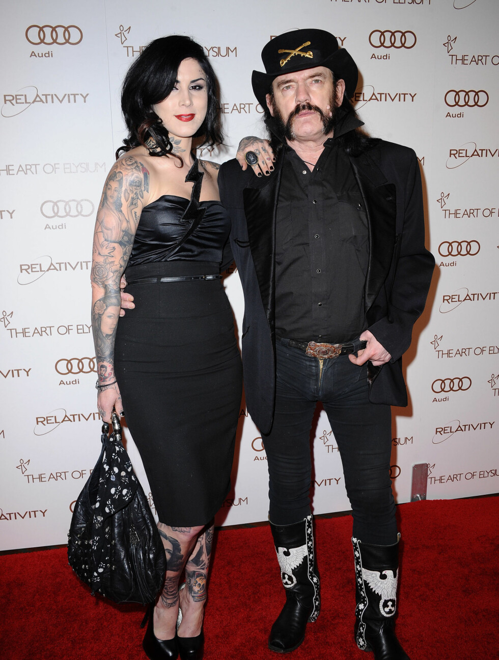 PAR: Kat Von D (29) og Motörhead-Lemmy Kilmister (66) viste seg offentlig sammen for første gang på «Art of Elysium Heaven»-gallaen. Foto: Stella Pictures