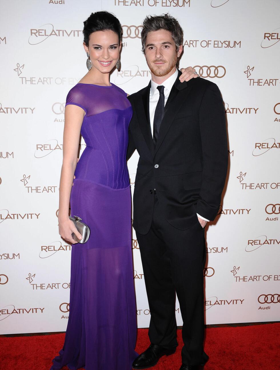 Brothers & Sisters-stjernen Dave Annable (32) og kona Odette (26) koste seg på gallaen. Foto: Stella Pictures
