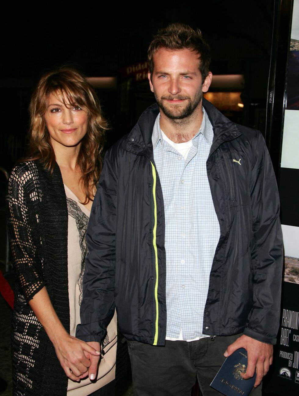 HOT: De kunne ha vært Hollywods vakreste ektepar, men den gang ei. Jennifer Esposito og Bradley Cooper datet i et år, før de ga hverandre sitt ja. Men bare fire måneder senere var bruddet et faktum. - Det er slik det burde være. Man må bare gå vide Foto: STELLA PICTURES