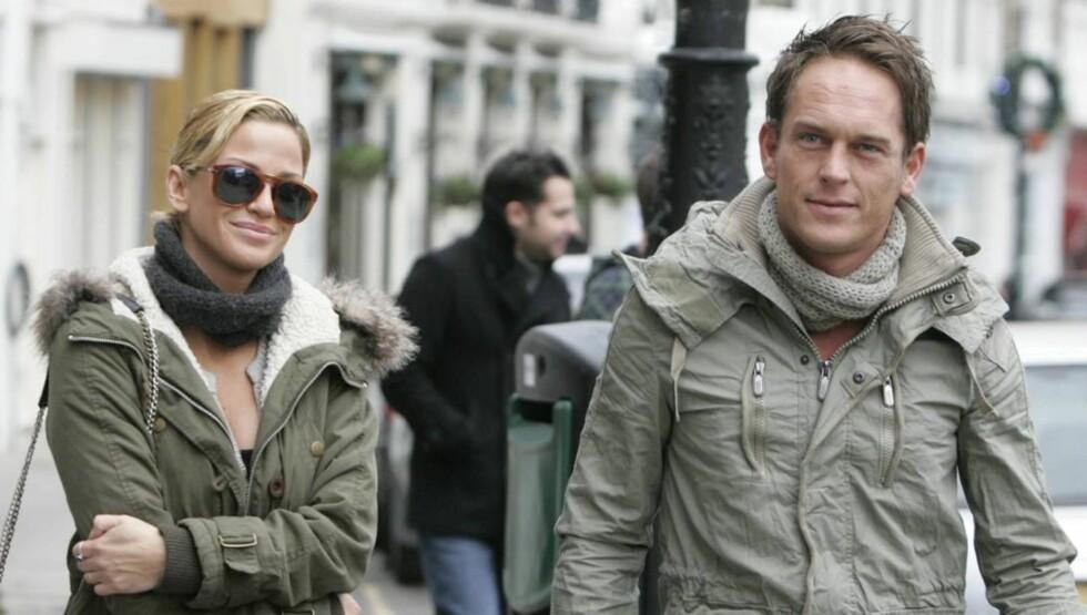 SKYLDER PÅ HVERANDRE: Sarah Hardings kjæreste Theo De Vries hevder popstjernen angrep ham på et hotell i Østerrike.  Foto: All Over Press