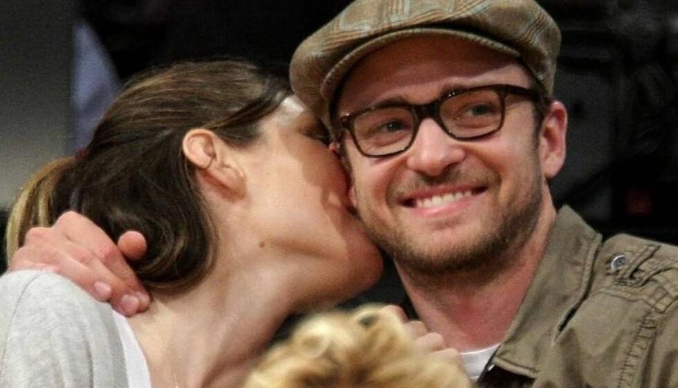 AV OG PÅ: Justin Timberlake og Jessica Biel begynte å date allerede i 2007, og har vært mye av og på siden den gang. Men nå vil ryktene ha det til at Justin har gått ned på kne.  Foto: All Over Press