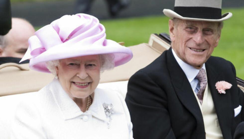<strong>PÅ SYKEHUS:</strong> Dronning Elizabeth benyttet julaften til å besøke sin hjertesyke ektemann prins Philip på sykehus i Cambridge. Foto: Stella Pictures