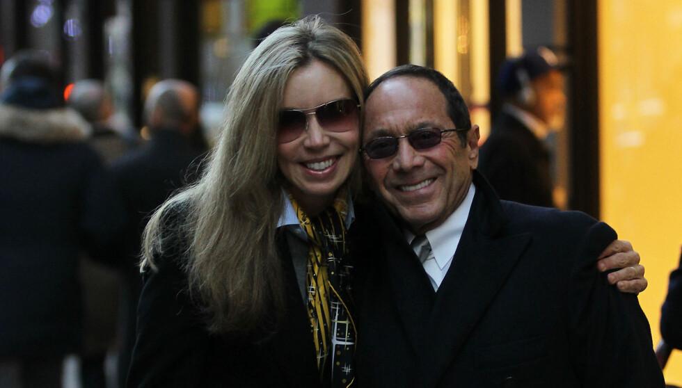 NY KJÆRESTE: Lisa Pemberton er Paul Ankas nye utkårede. Foto: All Over Press