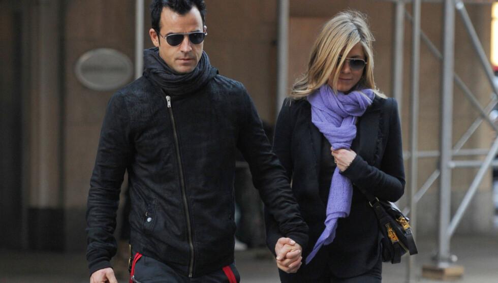 BLIR FORELDRE? Ifølge det amerikanske ukebladet Star blir Jennifer Aniston og Justin Theroux foreldre til tvillinger etter å ha forsøkt å få barn i lang tid. Foto: All Over Press