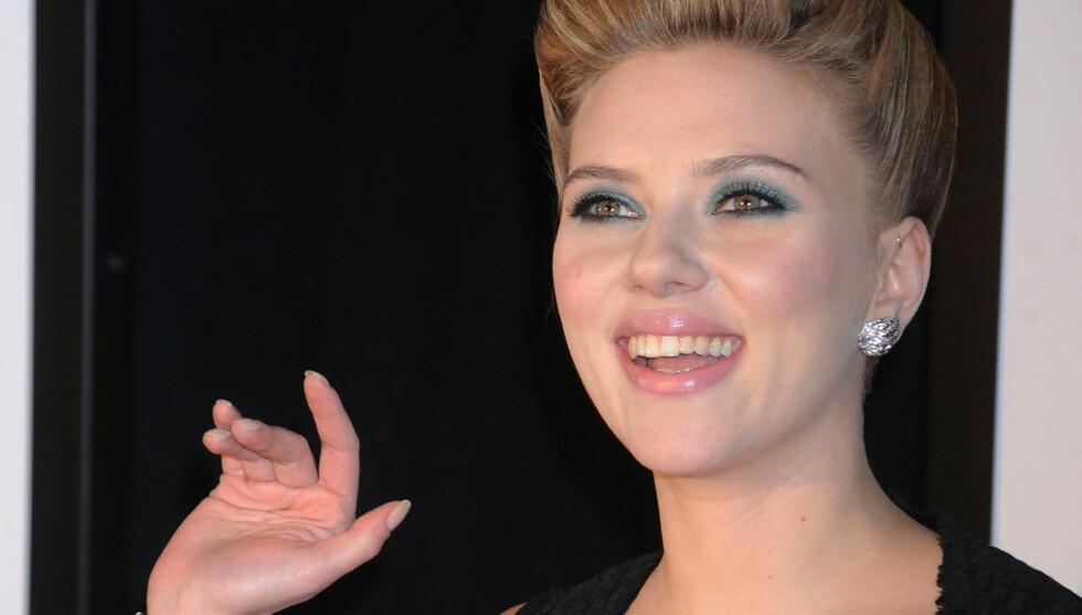 NY FLAMME: Scarlett Johansson har vært aktiv på dating-fronten etter bruddet med ektemannen Ryan Reynolds for ett år siden. Nå skal hun ha falt for en britisk rocker under en filminnspilling i Storbritannia. Foto: All Over Press