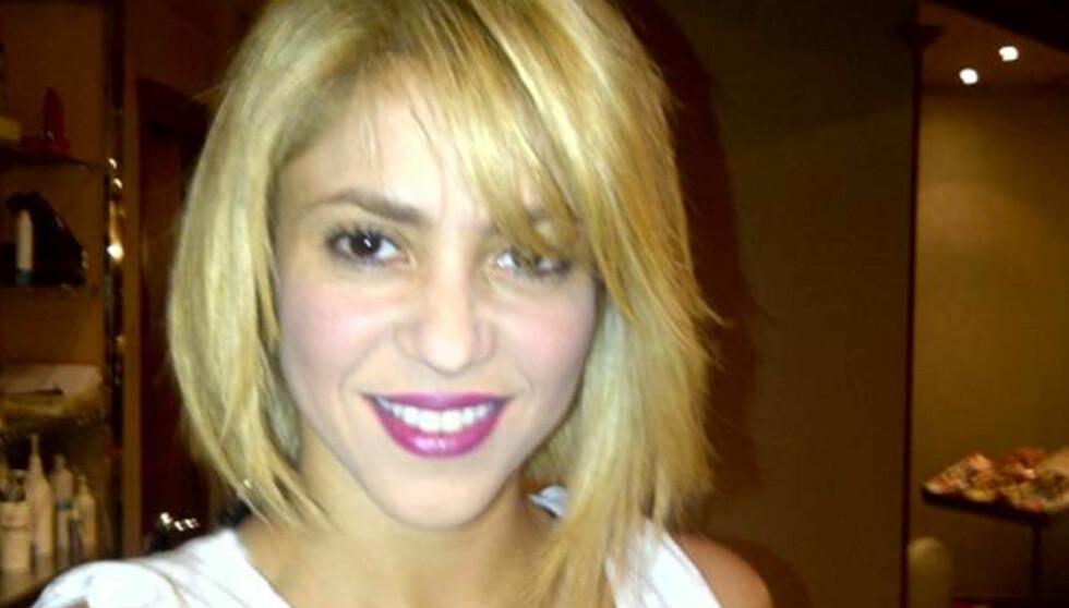 ETTER: Shakira la tirsdag ut dette bildet av seg selv på twitter etter at hun hadde sittet i frisøsalongen i seks timer i Barcelona. Foto: All Over Press