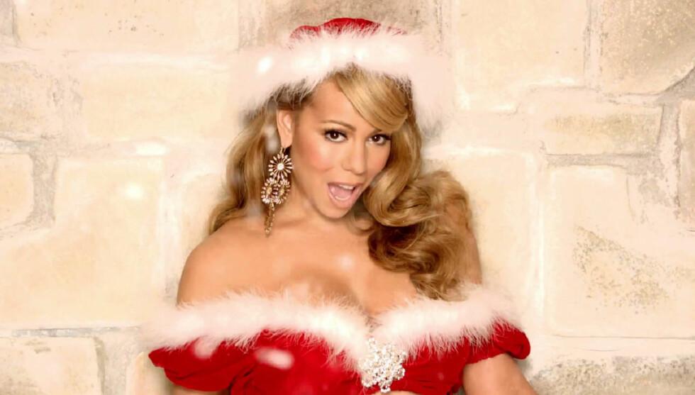JULESTEMT: Mariah Carey elsker jul og feirer i år sammen med ektemannen Nick Cannon og deres åtte måneder gamle tvillinger.  Foto: Stella Pictures