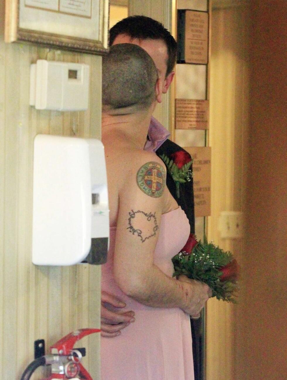 ROSA KVELD: Det gikk i rosa under det storslagne Las Vegas-bryllupet. Foto: All Over Press