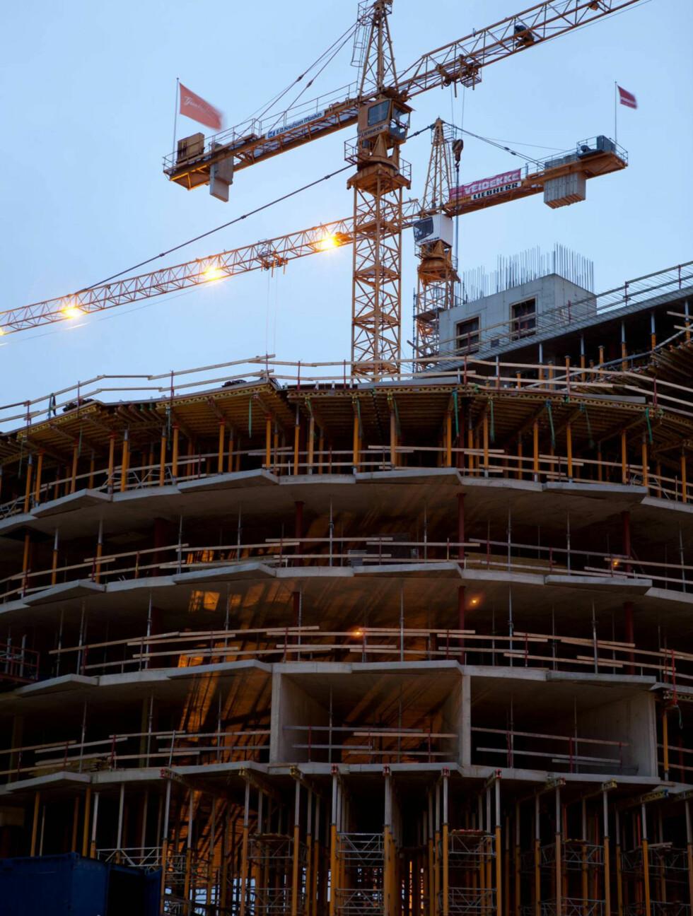 ÅTTE ETASJER: Hotellet vil ha åtte etasjer og store rom. Foto: Jeton Kacaniku