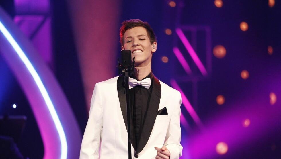 STORBAND: Henrik sang låter av Elton John og Frank Sinatra i kveld. Foto: Stella Pictures