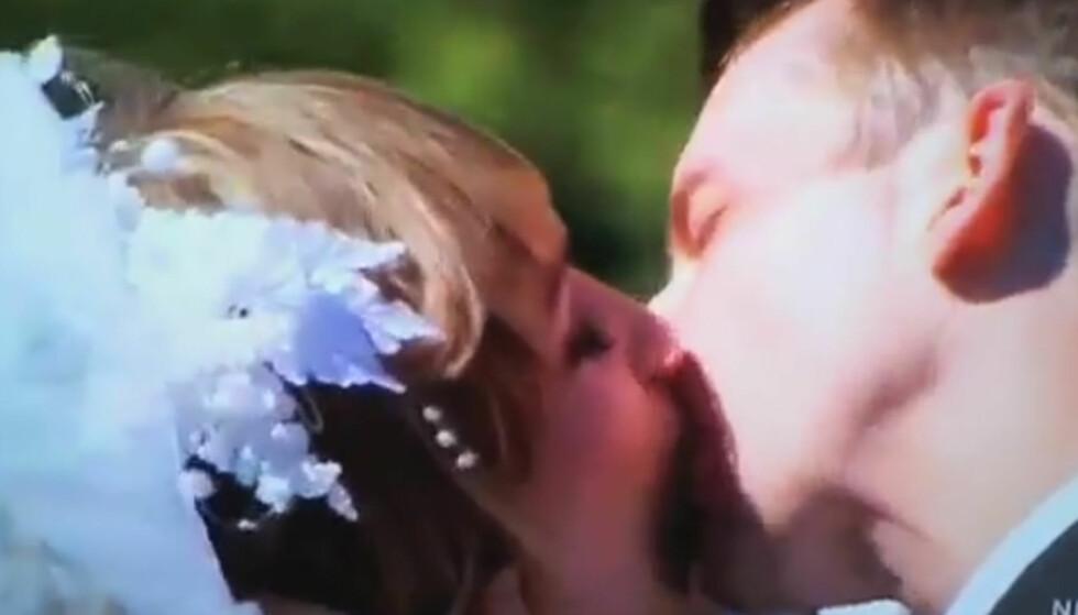 HEFTIGE SCENER: Jomfruene i «Virgin Diaries» får virkelig smaken på et ekte kyss i denne videoen... Foto: Youtube