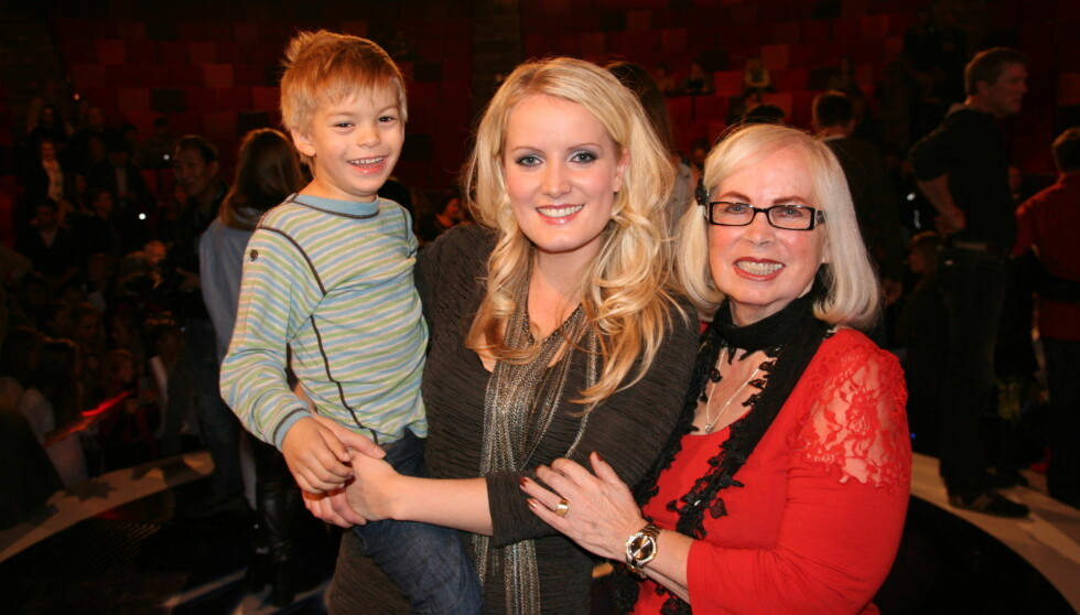 MED FAMILIEN: Maria er en familiekjær dame. Her med sønnen Johannes og mammaen Connie. Foto: Sølve Hindhamar, Seher.no