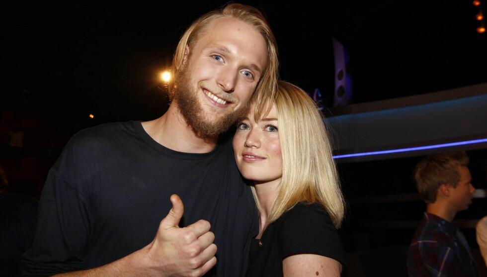 LITE TID: Det har blitt lite tid til Fredriks samboer Pia i Idol-tiden. Nå får de sett hverandre igjen. Foto: Stella Pictures