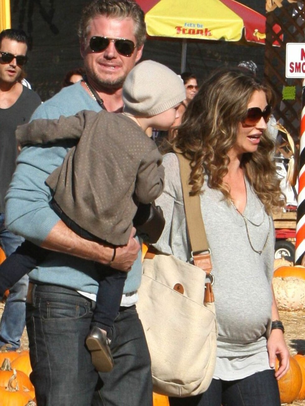 <strong>KUL:</strong> Eric, Billie og Rebecca venter spent på den lille som ligger i mammas mage. Foto: All Over Press