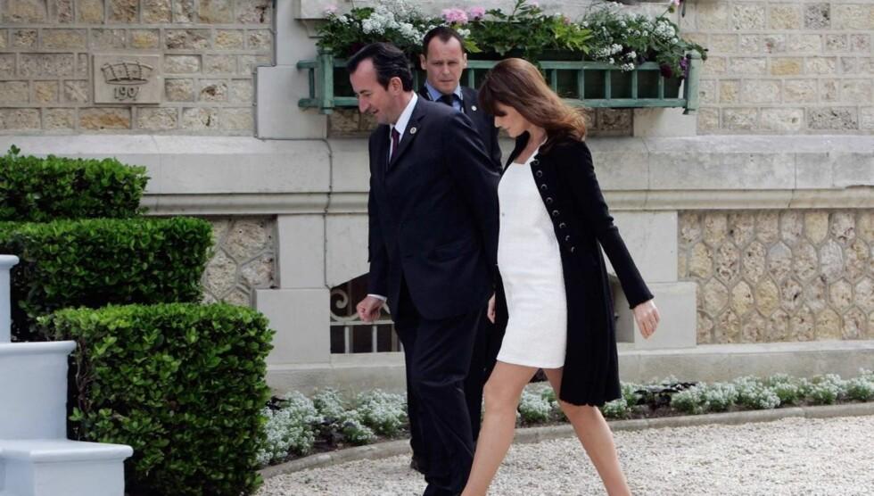 FØDTE ONSDAG: den franske presidenten Nicolas Sarkozy og Carla Bruni-Sarkozy ble onsdag foreldre til en liten jente. Foto: All Over Press