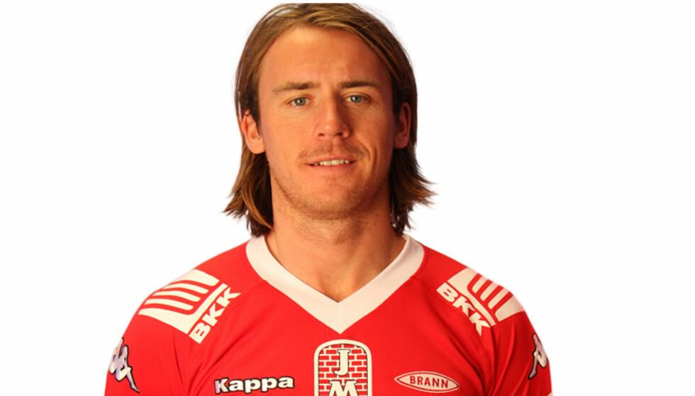 DØDEN NÆR: Tidligere Brann-spiller Carl-Erik Torp mistet nesten livet på fotballbanen, men er ikke redd for å dø.  Foto: www.brann.no