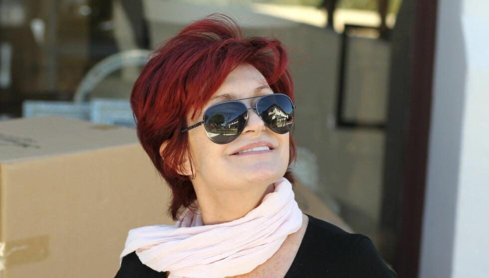 FJERNET SILIKONBRYSTENE: Sharon Osbourne fikk problemer med puppene og måtte fjerne silikonet.  Foto: All Over Press