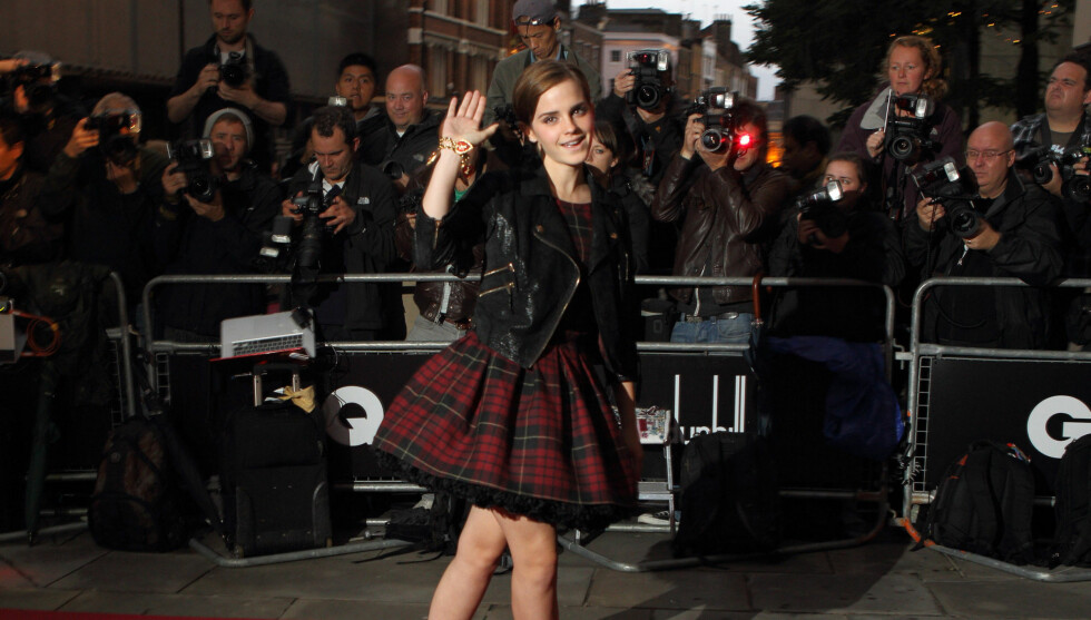 KJEMPER MOT HOLLYWOOD-PRESSET: - Jeg er bekymret for hvordan jeg ser ut, og kravet om å ha en spesiell type utseende. Det at så mange unge benytter seg av plastisk kirurgi, gjør at jeg synes Los Angeles er et skremmende sted, sier Emma Watson til Seher Foto: All Over Press