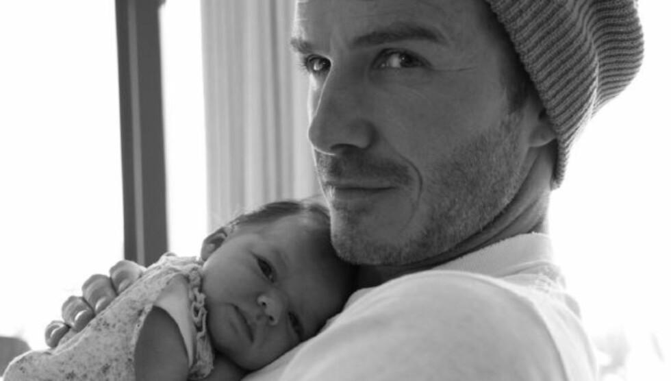 <strong>BABY HARPER:</strong> Den tre måneder gamle skjønningen har klart å gi Pappa Beckham grå hår allerede. Foto: Twitter