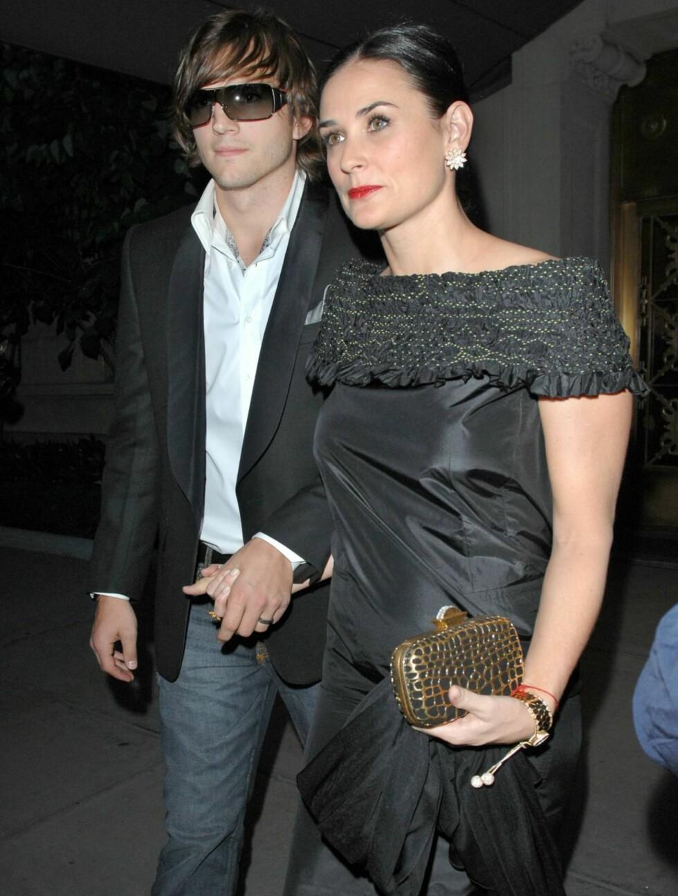 <strong>GLANSDAGER:</strong> Dette bildet er tatt for noen år siden og viser en tydelig sunnere Demi med ektemannen Ashton. Foto: All Over Press