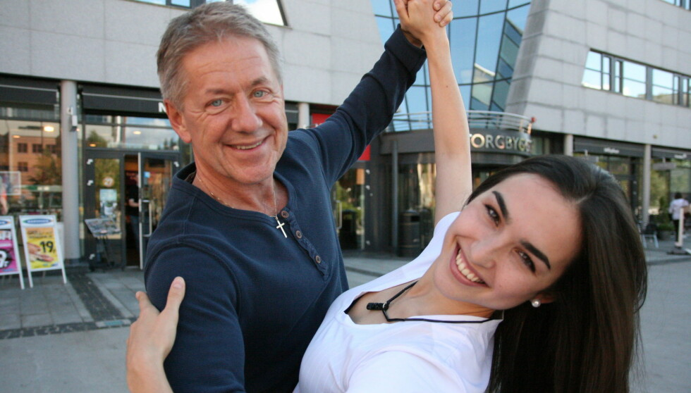 <strong>KLARE TIL DYST:</strong> Rune Larsen og Olga Divakova er spente før den store premieren av «Skal vi danse» førstkommende lørdag. Foto: Anders Myhren/Seher.no