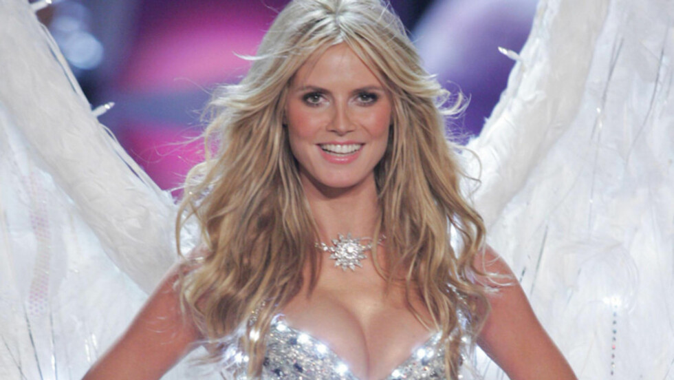 SEXY: Heidi Klum er vant til å være lettkledd på catwalken - som under dette «Victoria's Secret»-showet i november 2005. Skjønnheten har imidlertid fått erfare at ikke alle har et like avslappet forhold til nakenhet - selv ikke når det er supermod Foto: Stella Pictures