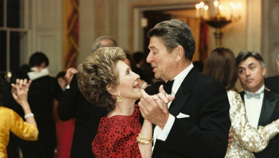 <strong>FØRSTEDAME:</strong> Nancy Reagan ble en populær førstedame under ektemannen Ronald Reagans presidentperioder fra 1981 til 1989. Han døde i 2004, 93 år gammel. Foto: All Over Press