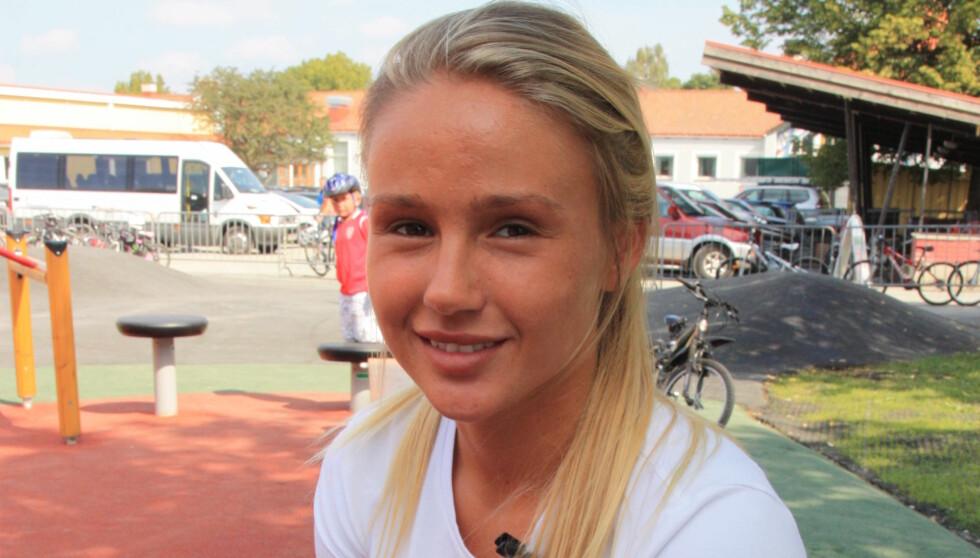 <strong>HVILER UT:</strong> Legene vet fortsatt ikke hva som feiler Rachel Nordtømme, men ifølge 22-åringen skal hun være på bedringens vei etter sykehusinnleggelsen i forrige uke. Foto: Anders Myhren / Seher.no