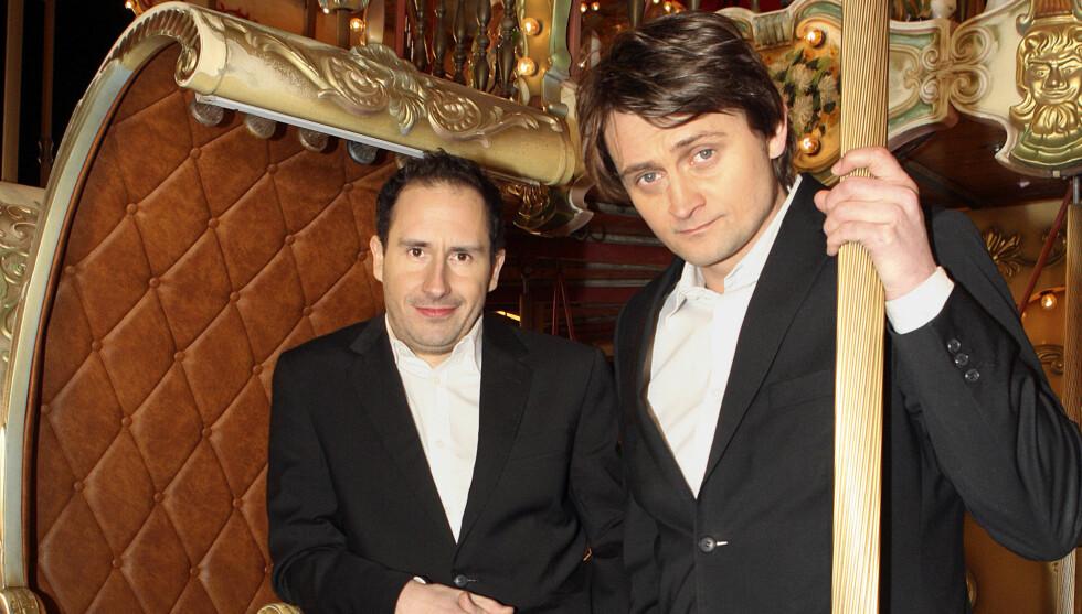 <strong>VOKALIST:</strong> Det mange ikke vet, er at Numme synger i et Elvis-coverband som heter Vegas. Foto: TV 2