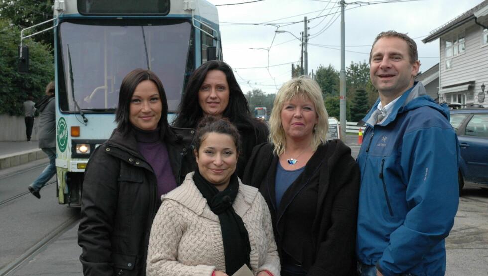 <strong>TO SESONGER:</strong> Marry-Ann Gimre (nr 2 fra høyre) har som eneste deltager i «Den 6. sans» vært med både 2009 og 2010.  Foto: TVNorge