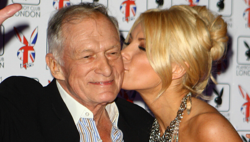 LONDON, ENGLAND - JUNE 04:  Hugh Hefner and Crystal Harris attend the opening of Playboy Club London at playboy Club on June 4, 2011 in London, England.  (Photo by Mike Marsland/WireImage) Foto: All Over Press