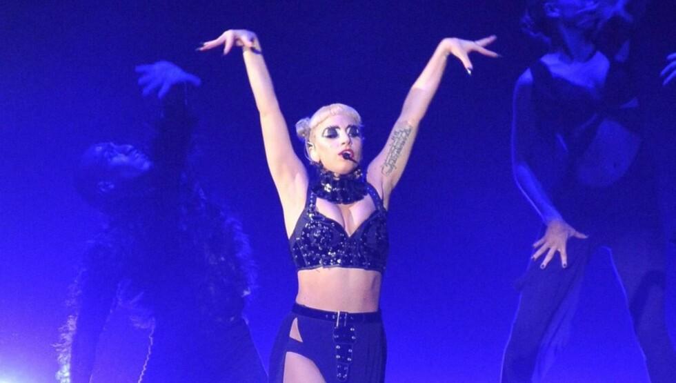 SPISTE LITE: - Folk som har jobbet sammen med henne på turné har fortalt meg at GaGa knap spiste på flere uker slik at hun skulle passe sine kostymer, forteller journalisten Ian Halperin. Foto: All Over Press