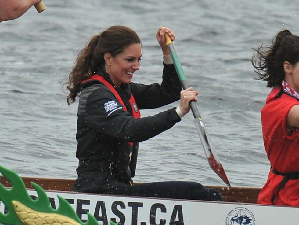 PADLEDRONNING: Prinsesse Kate er ikke redd for å svette litt. Foto: All Over Press
