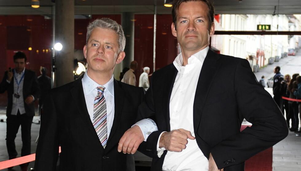 GJØR SUKSESS: Knut Nærum og Jon Almaas fra Nytt På Nytt. Foto: SCANPIX