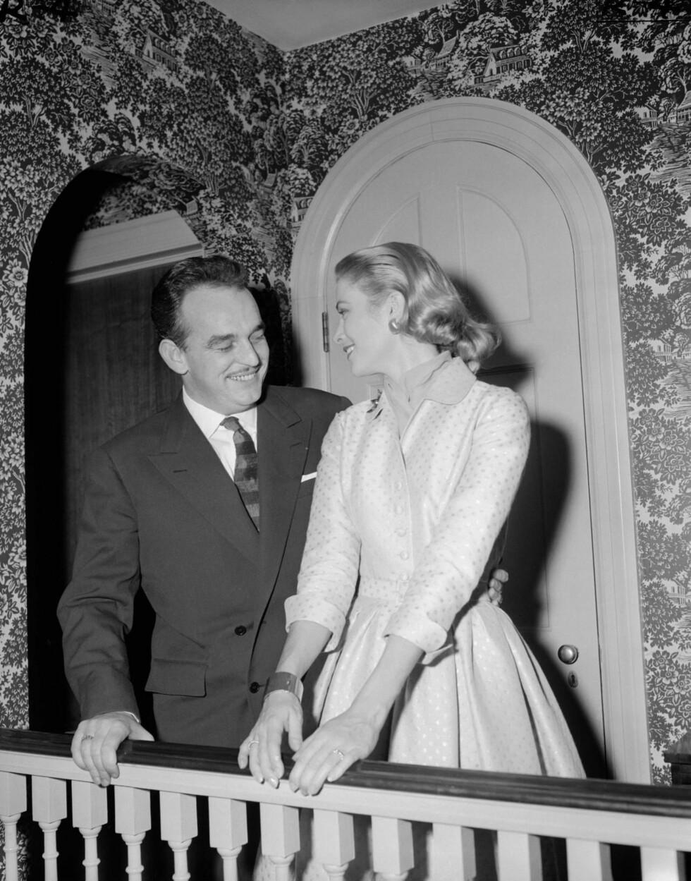 <strong>PÅ USA-VISITT:</strong> Før de giftet seg i Monaco, holdt Rainier og Grace Kelly forlovelsesfest i Kelly-familiens hjem i Pennsylvania. Foto: Stella Pictures