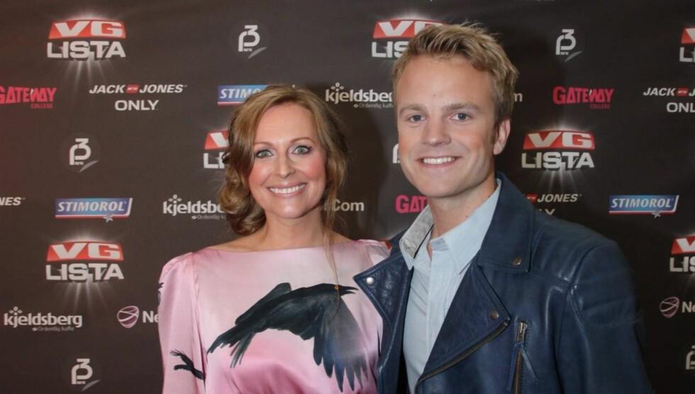 <strong>COMEBACK:</strong> Marte Stokstad gledet seg over å gjøre TV-comeback fredag etter ett års pause på grunn av fødsel. Her er hun sammen med med-programleder Erik Solbakken. Foto: Sølve Hindhamar, Seher.no