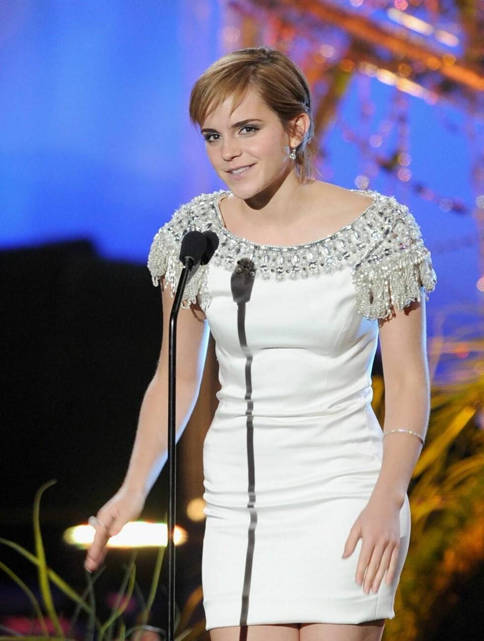 <strong>FÅR SKRYT:</strong> Harry Potter-stjernen Emma Watson fikk mye ros for sin hvite Marchesa-kjole. Foto: All Over Press