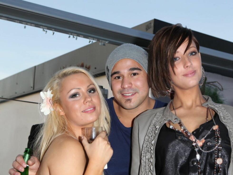 GODE VENNER: Paradise-deltagerne Bianca Klemetsen, Omi Hagen og Kine Bertheussen nøt hverandres selskap på finalefesten.