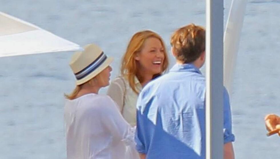 PÅ BÅTTUR: Leonardo DiCaprio og Blake Lively har den siste tiden blitt sett sammen flere ganger på ferie i Europa, blant annet under denne båtturen i Cannes, i forbindelse med den franske filmfestivalen i byen. Foto: All Over Press