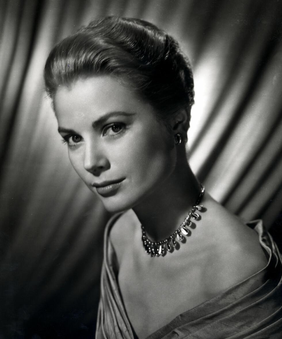 TRAGISK DØD: Prins Alberts mor, Hollywoodlegenden Grace Kelly, døde i en bilulykke i 1982. Datteren Stephanie overlevde ulykken. Foto: Stella Pictures