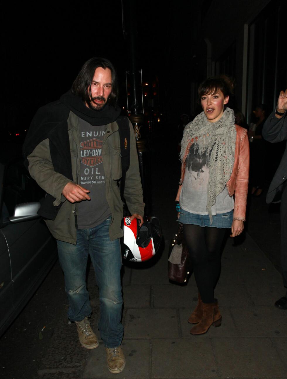 <strong>ENSOM:</strong> Daily Mail skriver at det kan virke som om Keanu Reeves er en ensom mann. Foto: All Over Press