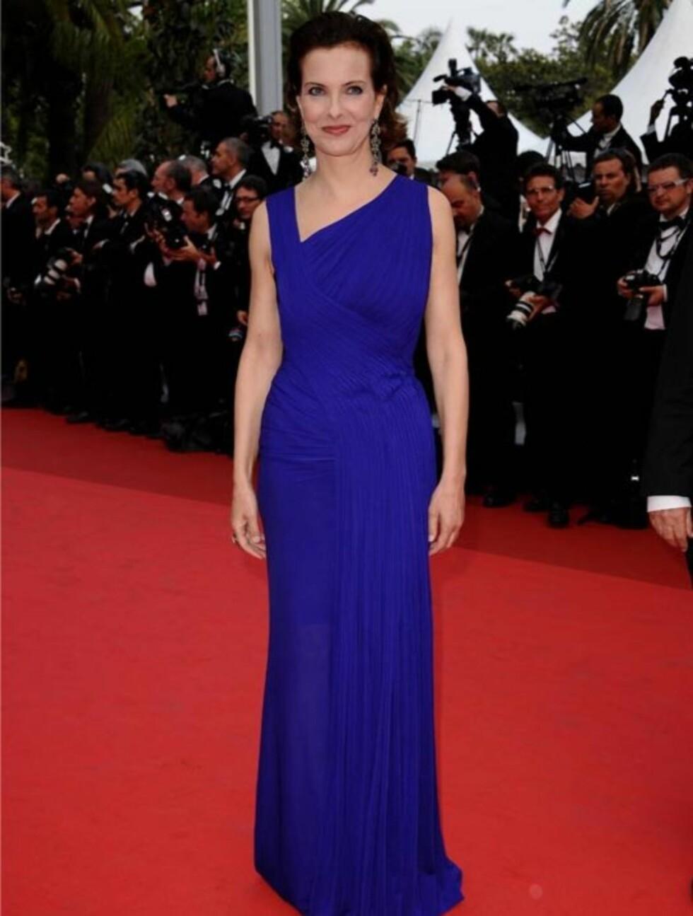 KONGEBLÅ: Den franske skuespilleren Carole Bouquet gikk også for blått - riktignok på cvisningen av «Sleeping Beauty», som også konkurrerer i «Feature Films»-kategorien.   Foto: Stella Pictures