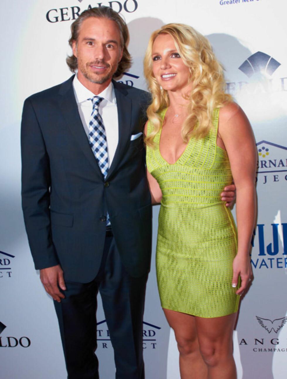 <strong>«FIT» FORHOLD:</strong> Både Britney og kjæresten Jason Trawick har kommet i bedre form siden de ble sammen for et par år siden. Foto: All Over Press