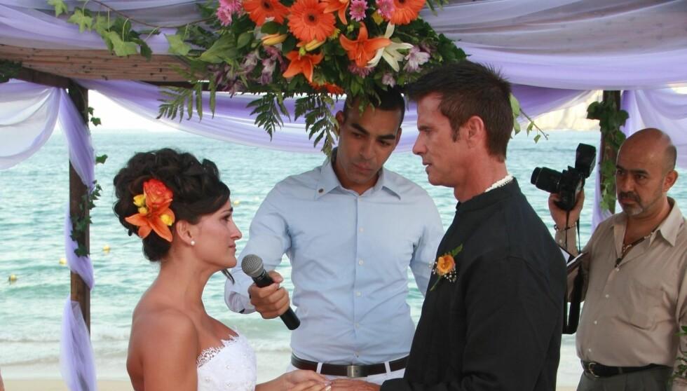 <strong>NYGIFT:</strong> Lorenzo Lamas og Shawna Craig giftet seg med nære venner og familie tilstede i Mexico i helgen.  Foto: Black Sheep/FLS