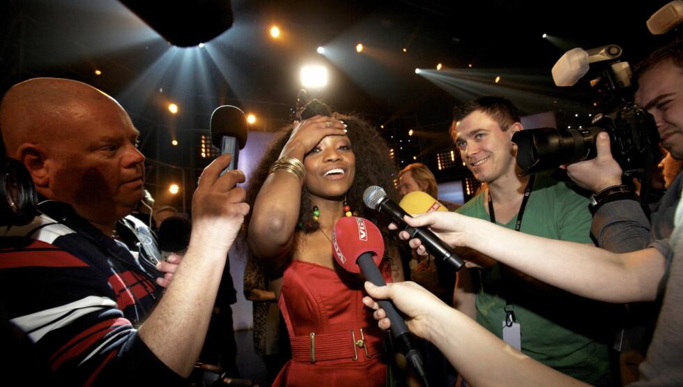 TIL TOPPS: Stella Mwangi var overlykkelig da hun vant den norske MGP-finalen i februar. Nå venter Eurovision i Tyskland. Foto: SCANPIX