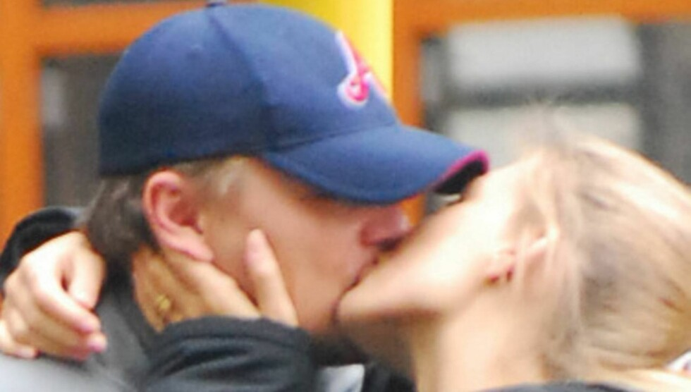 - DET ER SLUTT MELLOM DEM: En kilde nær Leonardo DiCaprio og Bar Refaeli hevder forholdet er over mellom filmstjernen og supermodellen. Foto: Stella Pictures