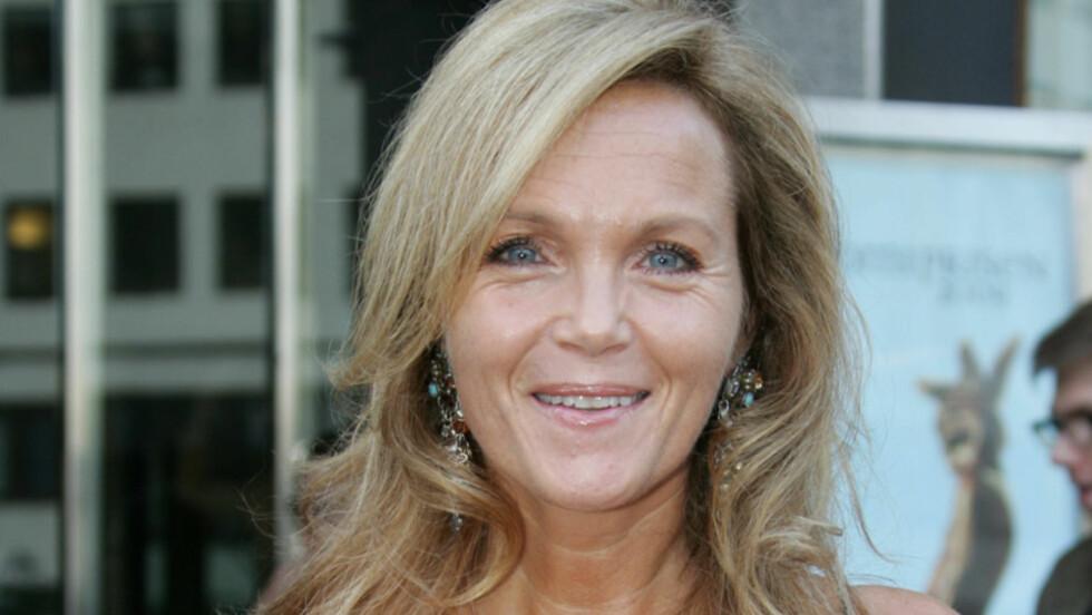 <strong>BLIR SAMBOER:</strong> Skuespiller Guri Schanke selger sin millionleilighet for å bli samboer og huseier med kjæresten Dag Hvaring. Her avbildet på Komiprisen i 2009. Foto: Stella Pictures