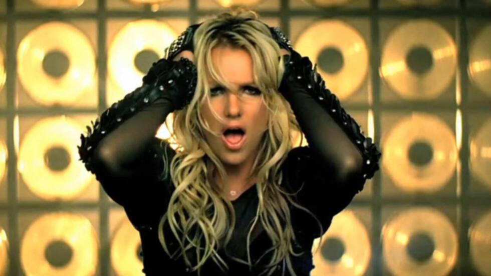 COMEBACK: Britney Spears er for tiden brennheit med det nye albumet «Femme Fatale» og flere freshe musikkvideoer. Her i aksjon i «Till the World Ends»-musikkvideoen, regissert av norske Ray Kay.   Foto: Stella  Pictures