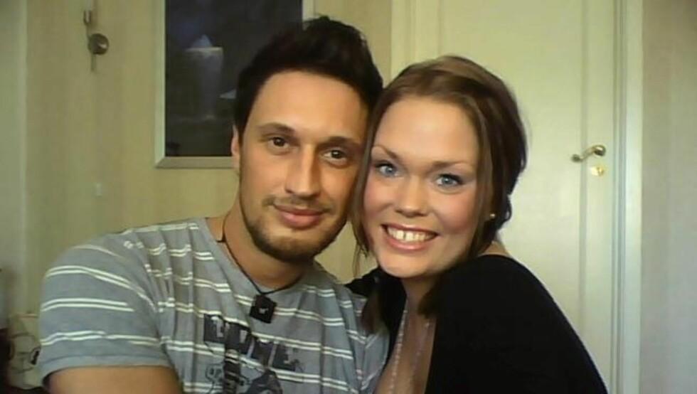 <strong>FORELSKET:</strong> De tidligere Robinson-deltakerne Kim Holm og Maria Eliseussen ble kjærester etter at de møttes på en gjenforeningsfest for deltakere i TV3-serien i februar. Foto: Privat